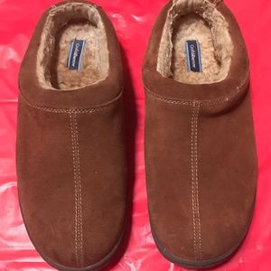 Gently Used Croft and Barrow Men's Slip On Slipper